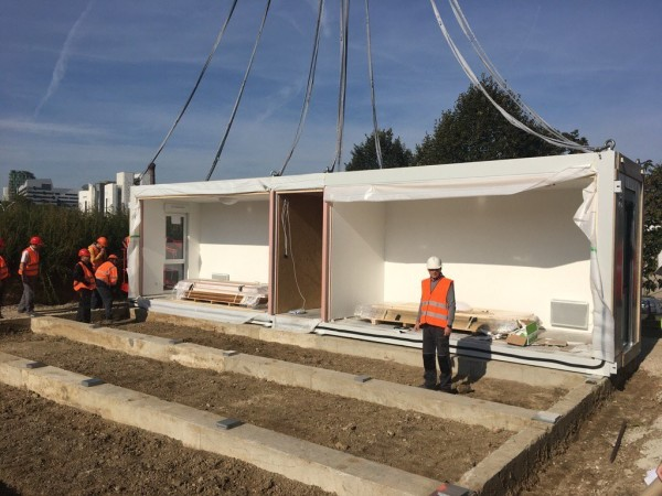 Installation des premiers modules du bastion de Bercy